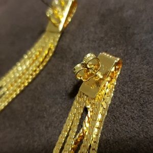 Avon Jewelry - Avon DS earrings